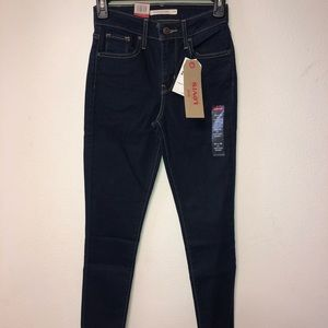 BRAND NEW HIGH RISE LEVI JEANS